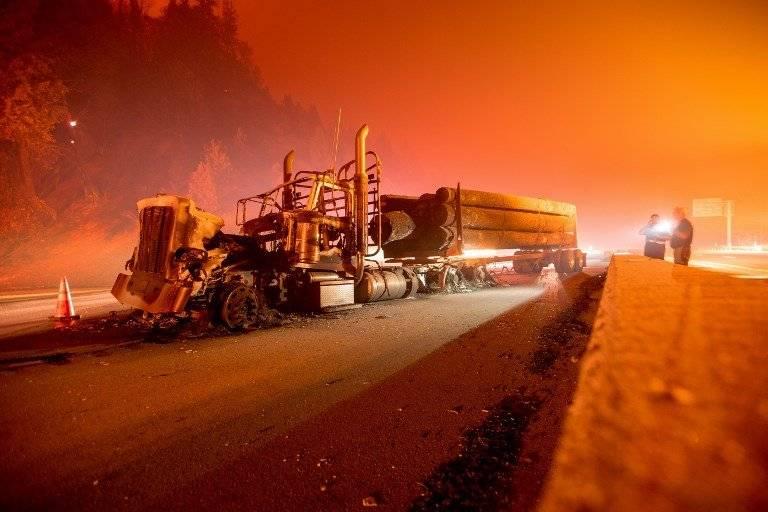 Camiones quemados en California