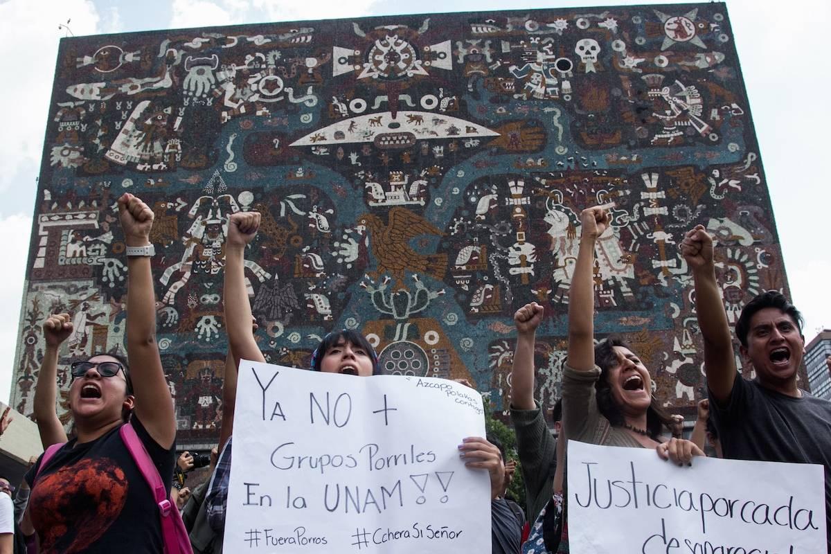El miércoles miles de estudiantes se manifestaron en Rectoría tras los actos porriles del lunes 3 de septiembre. Foto: Cuartoscuro