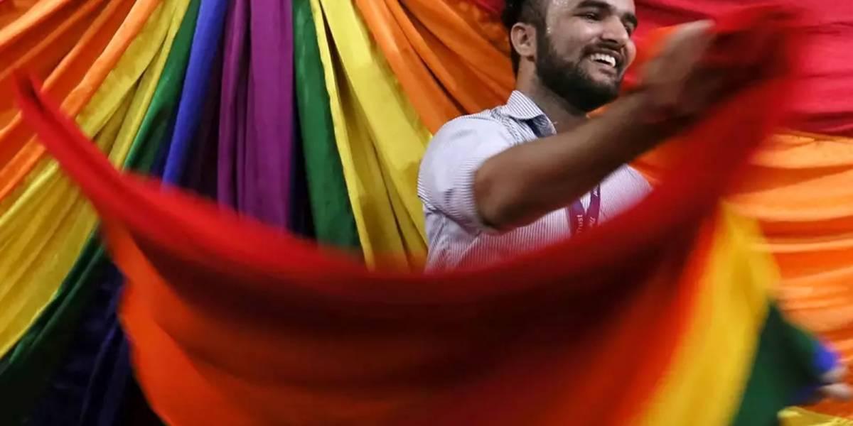 La India elimina ley de 150 años que prohibía las relaciones homosexuales