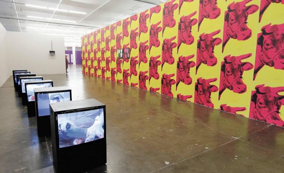 Aos Nossos Pais. Alejandro Cesarco (Uruguai/EUA). A exposição trabalha conceitos como memória, repetição e continuidade a partir de obras de artistas de diferentes gerações. Uma delas, do austríaco Oliver Laric, questiona as noções de reprodutibilidade e autoria a partir da impressão em 3D de uma estátua grega clássica | André Porto/Metro