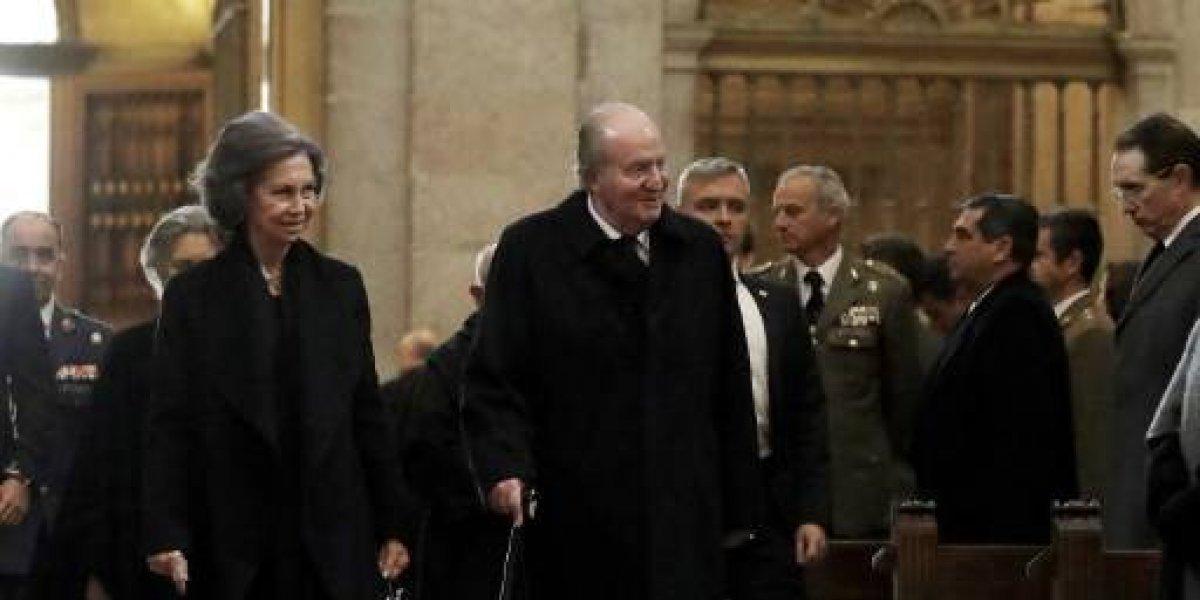 Fiscalía española propone investigar comisiones que salpican al rey Juan Carlos