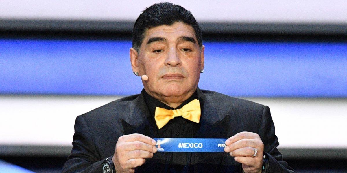Los memes engalanan la llegada de Maradona a México