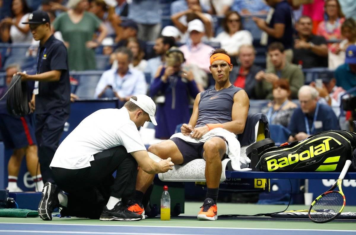 Nadal tuvo problemas con su rodilla, lo que obligó al español abandonar el juego.
