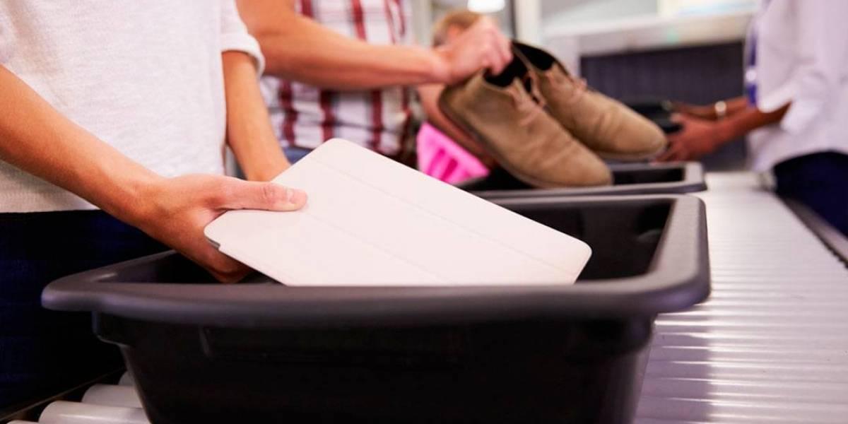 Así, tal cual: Las bandejas de los aeropuertos tiene más virus que los mismos baños