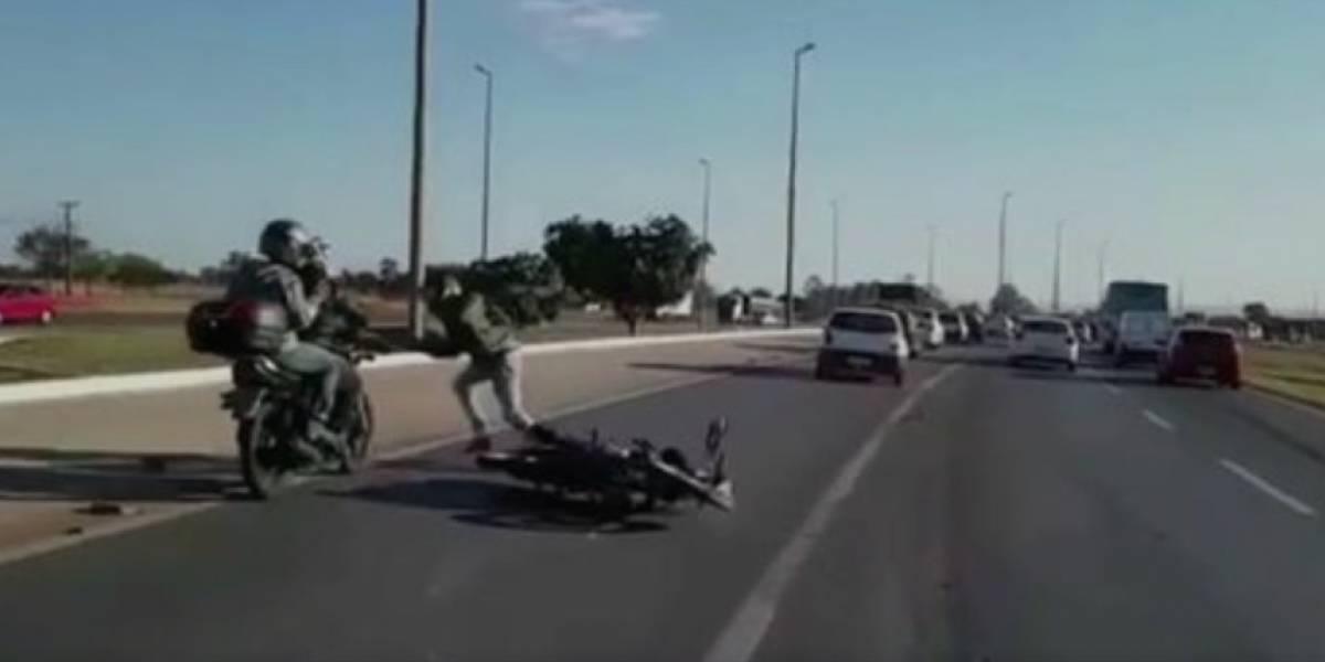 ¿Cómo causar dos accidentes de tránsito en menos de cinco minutos?
