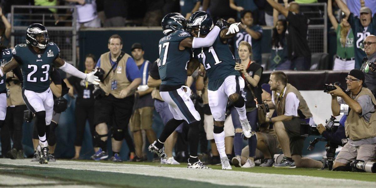 El espectáculo de la NFL comenzó con apretado triunfo del campeón Philadelphia Eagles