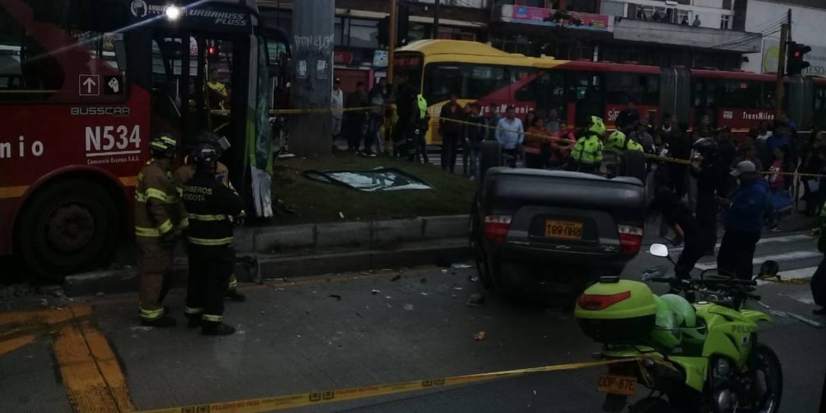 Accidente entre un bus de TransMilenio y un vehículo particular dejó varios lesionados