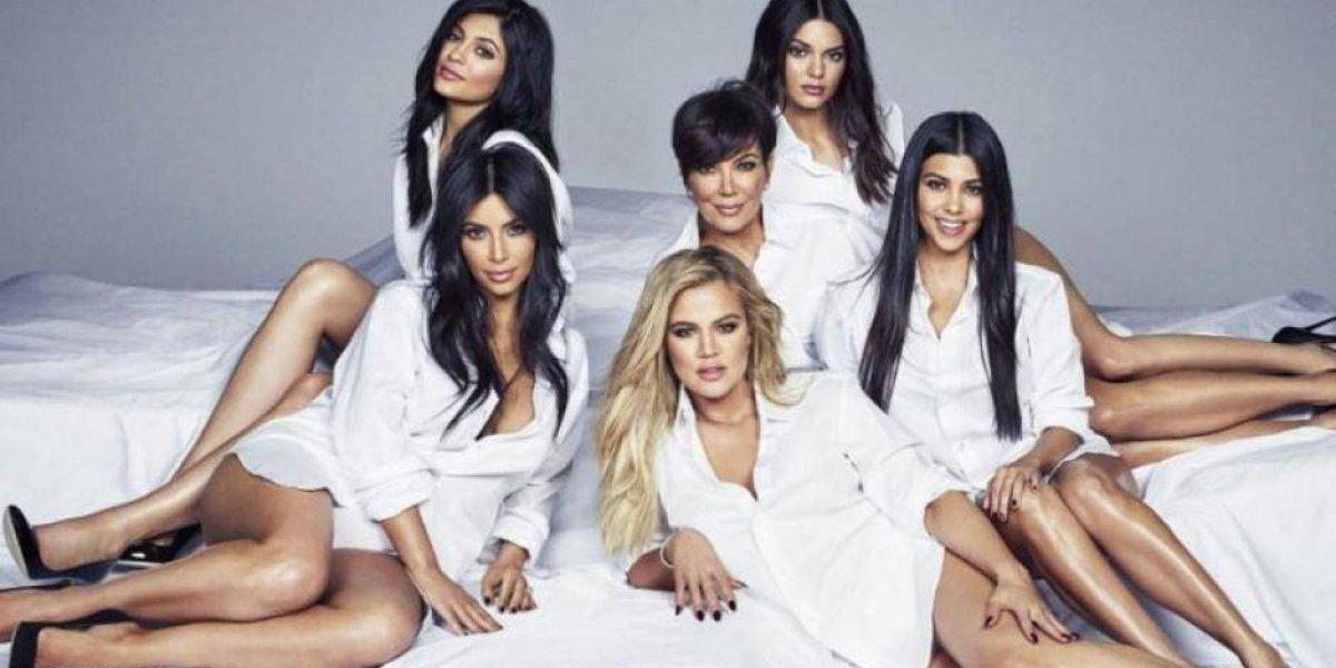 Foto familiar de las Kardashians que muestran cómo eran sin las operaciones