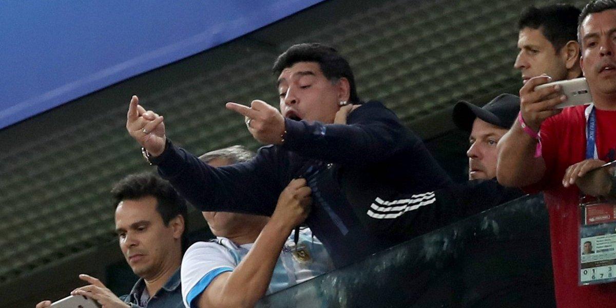 """""""Esta enfermo, es un adicto"""": Columnista mexicano destrozó a Maradona en su llegada a Dorados"""