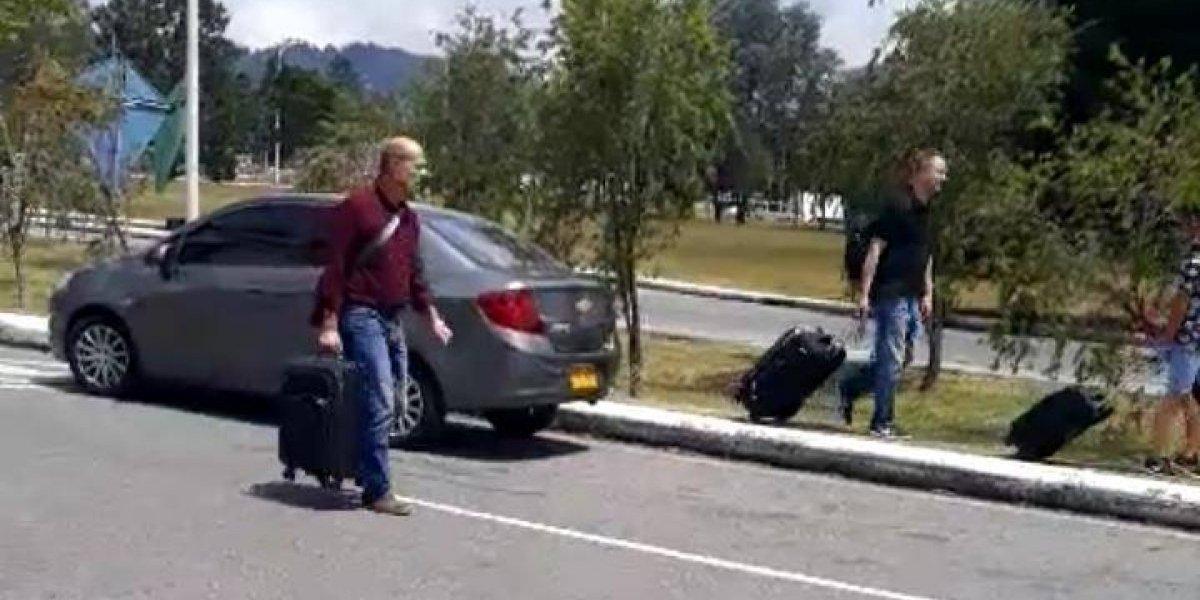 Taxistas del aeropuerto José María Córdova bloquean ingresos al terminal aéreo