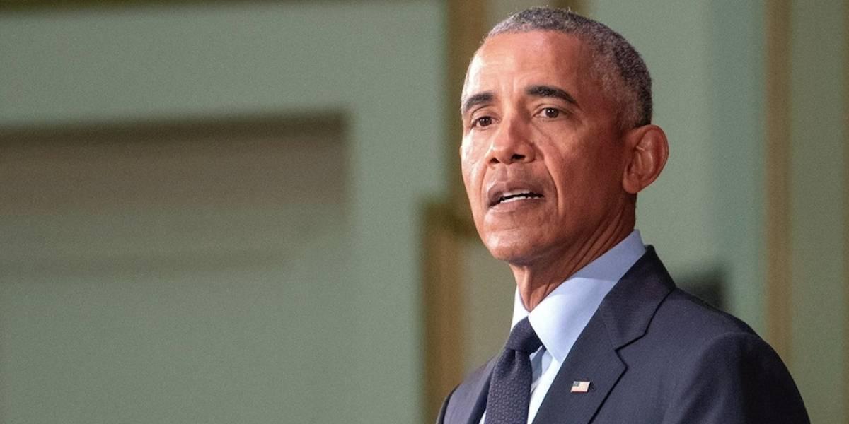 Obama critica a Trump por haber tirado papel toalla en Puerto Rico