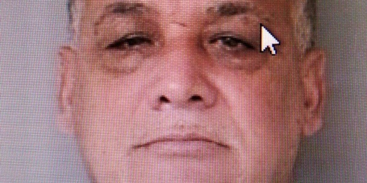 Buscan a este hombre por huir con sus dos hijos menores