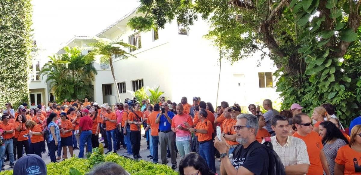 Varios cientos de miembros de la Heend marcharon hoy, 7 de septiembre, frente a la Administración Central de la UPR en Río Piedras, en contra de las medidas de austeridad que propone la Junta de Control Fiscal para la institución y la falta de comunicación y diálogo con la Junta de Gobierno de la UPR. / Foto: Suministrada