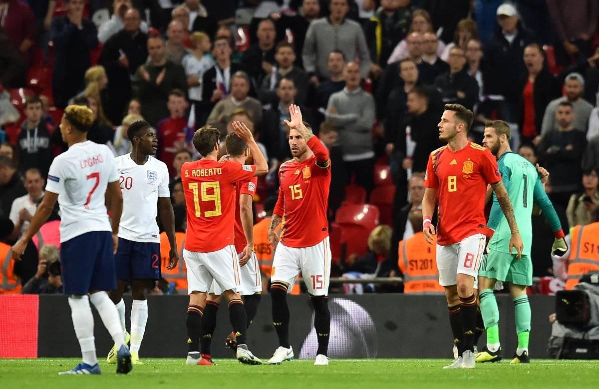 Sergio Ramos festeja el triunfo con sus compañeros