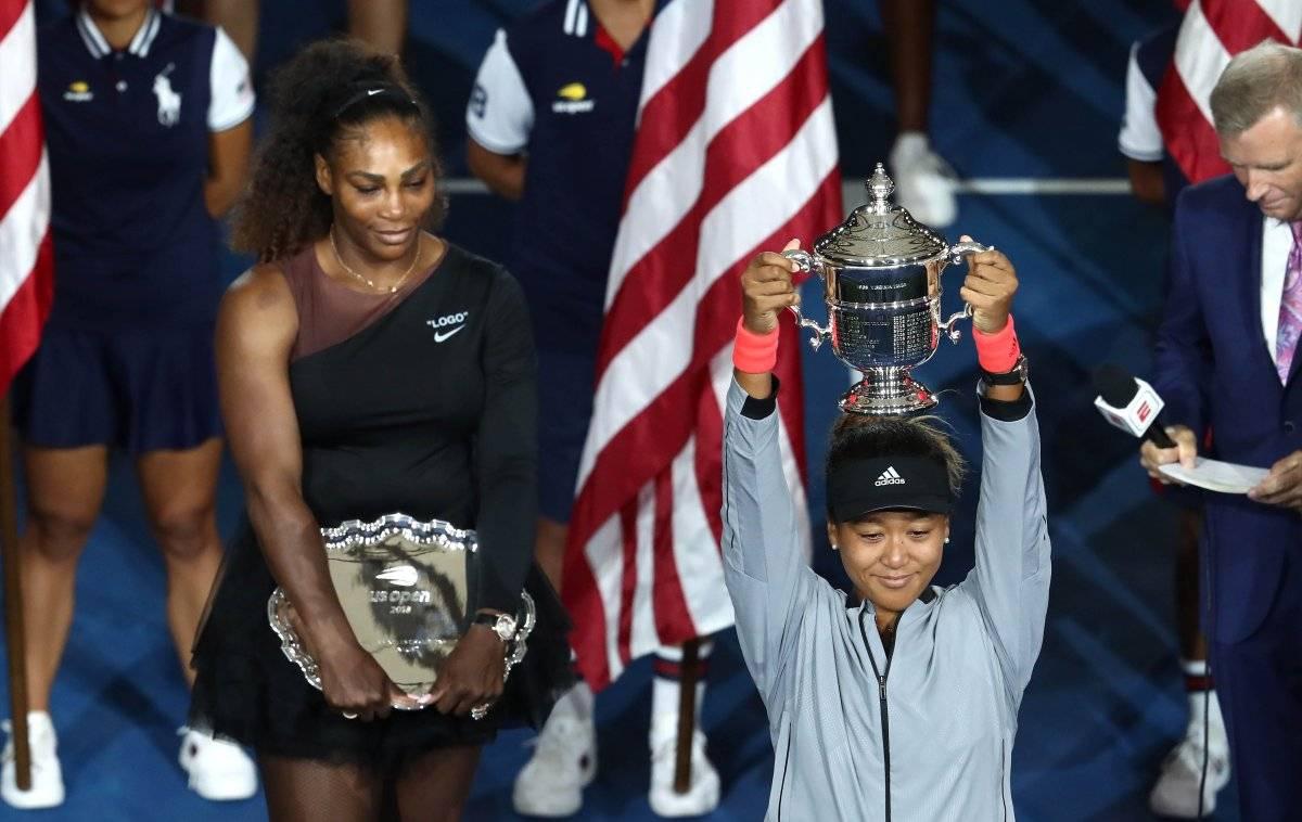 Osaka con su copa de campeones del US Open