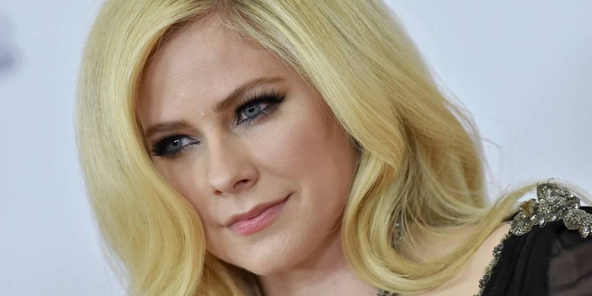 Avril Lavigne sortea la muerte y regresa con un nuevo álbum