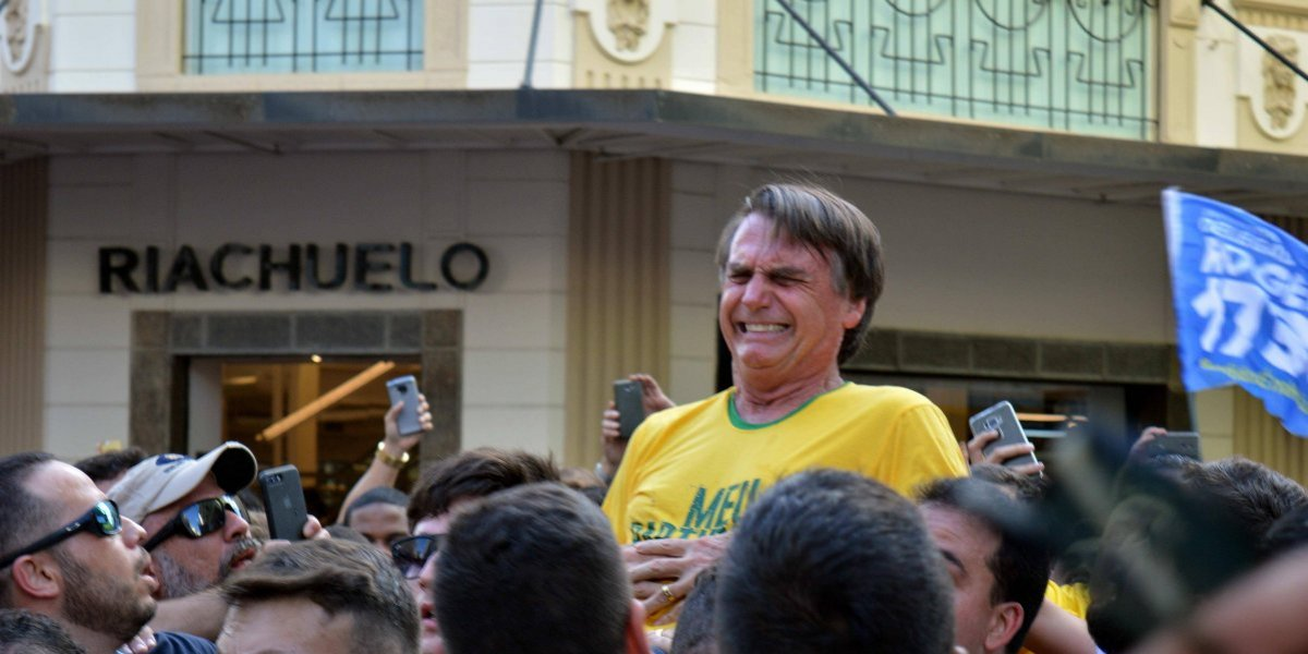 Captan momento en el que apuñalan a candidato a la presidencia en Brasil