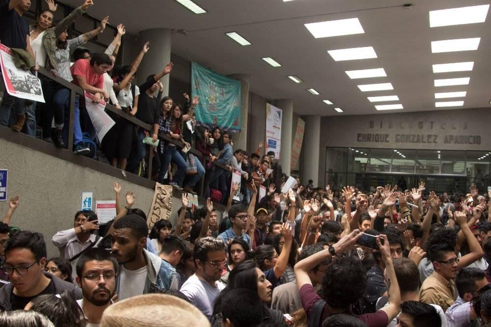 Asamblea universitaria en CU tras la marcha en contra de las agresiones de porros Foto: Cuartoscuro