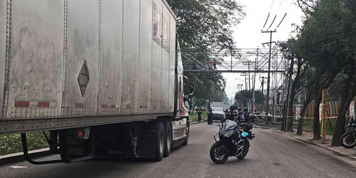 """""""No estaría muerto si hubieran reparado la calle"""": niño es arrollado por camión luego que padre perdiera el control de su moto por un hoyo"""
