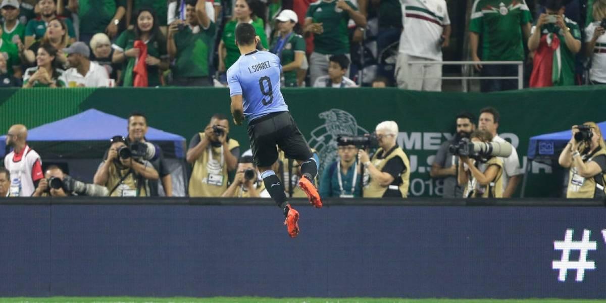 Golazo de tiro libre, penal a lo Panenka y asistencia de rabona: Show total de Suárez en goleada de Uruguay sobre México