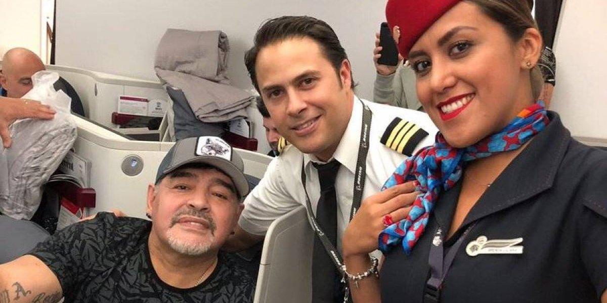 Diego Maradona ya aterrizó en México para reportar con Dorados