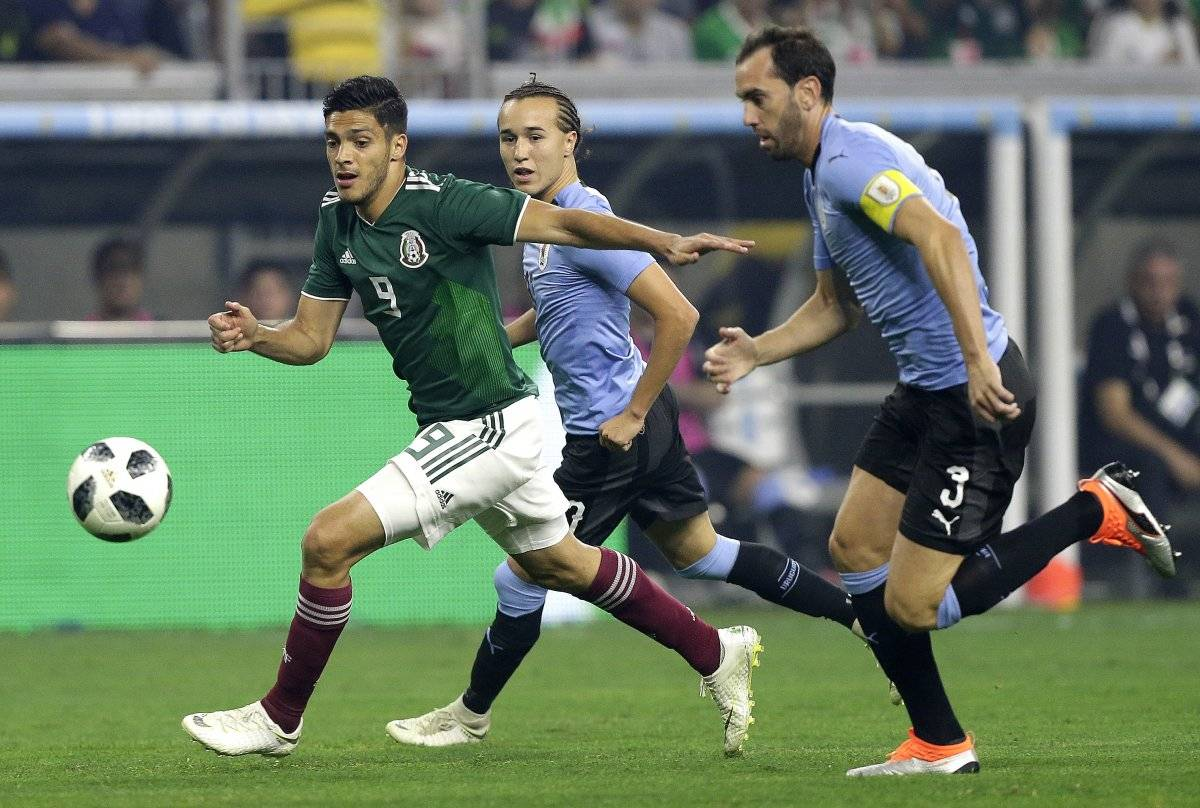 La selección mexicana no pudo aguantar el ritmo de juego de los uruguayos Getty images