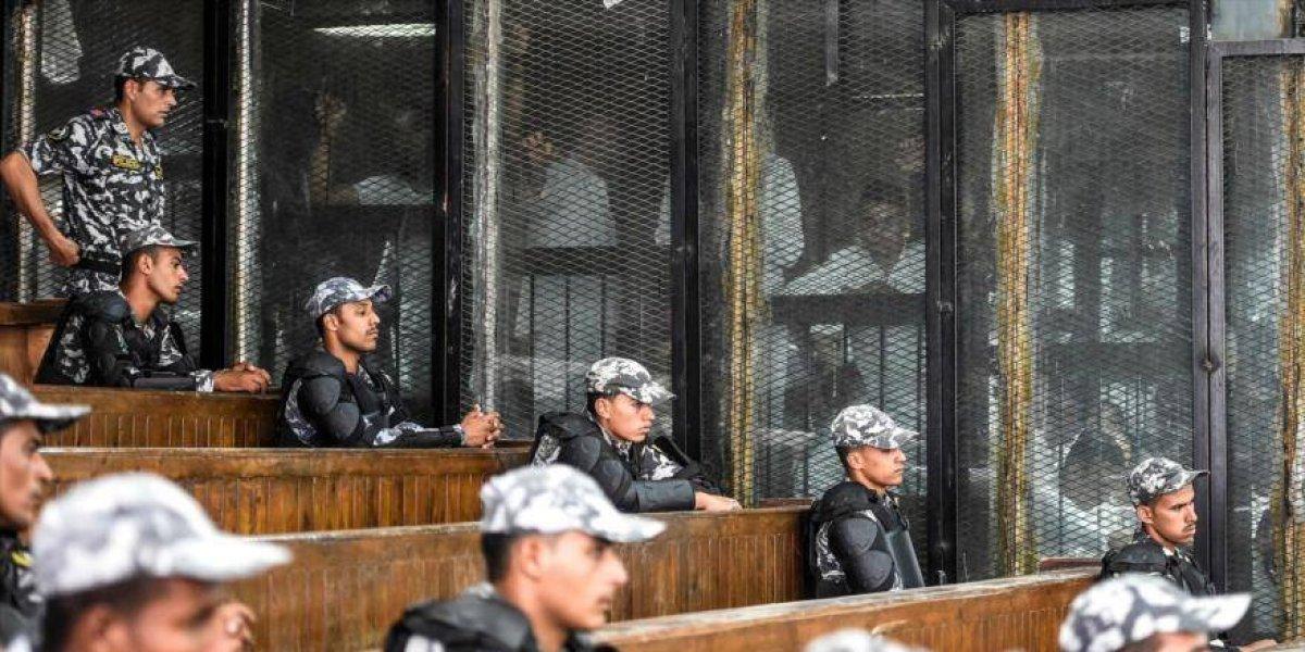 Justicia egipcia condena a muerte a 75 musulmanes