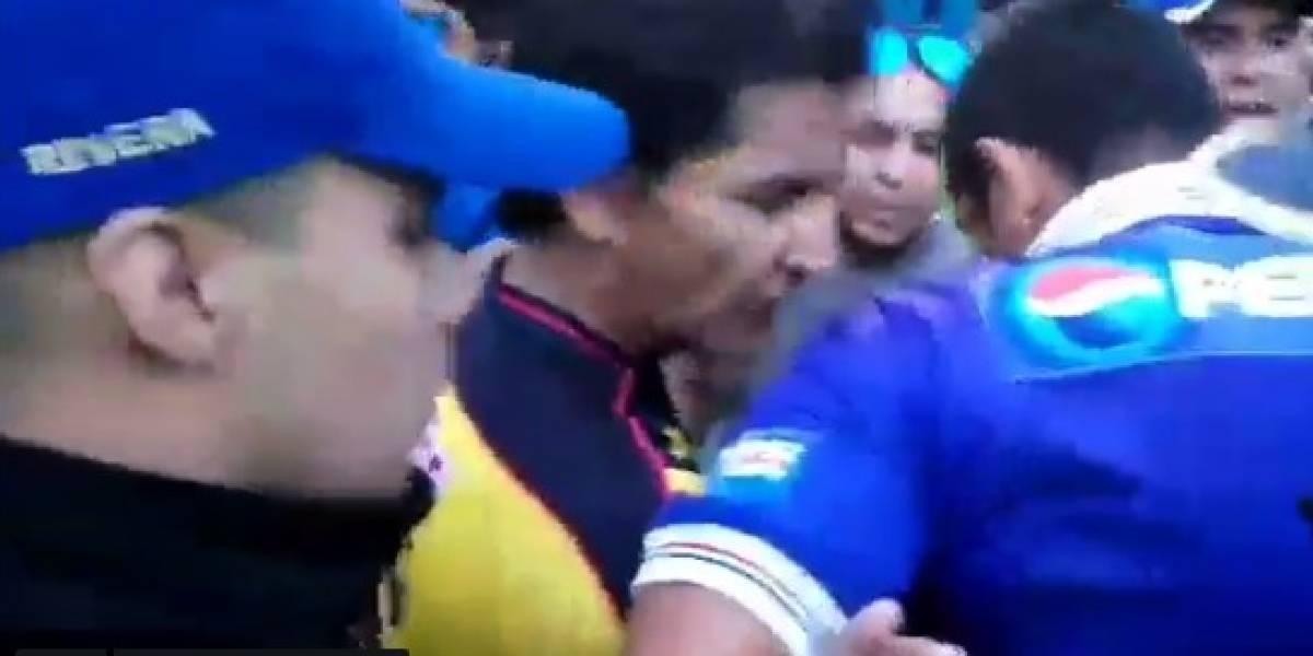Isaac Terrezas Salva A Aficionado Que Iba Esposado Por Policías