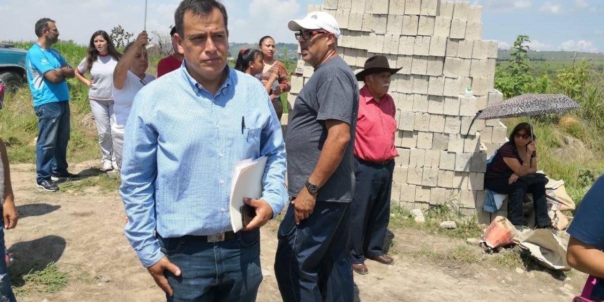 Protesta de vecinos frena construcción de criptas para cadáveres sin reconocer