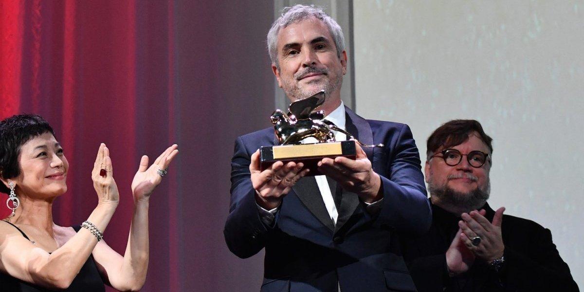 """Alfonso Cuarón confiesa a quién le dedicó el filme """"Roma"""", gran ganador en Venecia"""