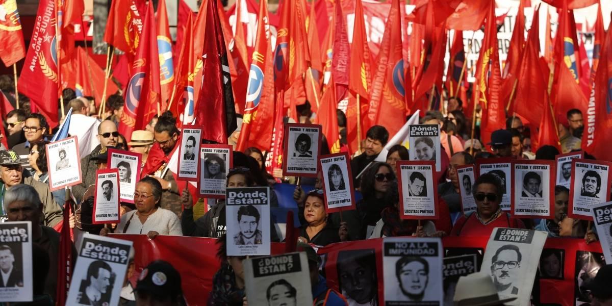"""Realizan marcha """"¡Movilízate contra la impunidad!"""" a 45 años del Golpe Militar"""