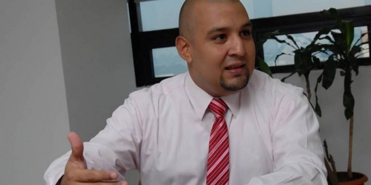 Exjefe de la SAT Juan Francisco Solórzano señala de difamación a un canal de televisión
