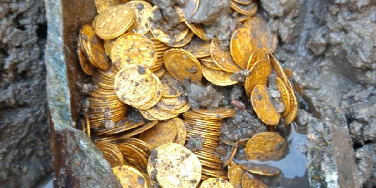Descubren un recipiente lleno de monedas de oro del Imperio romano
