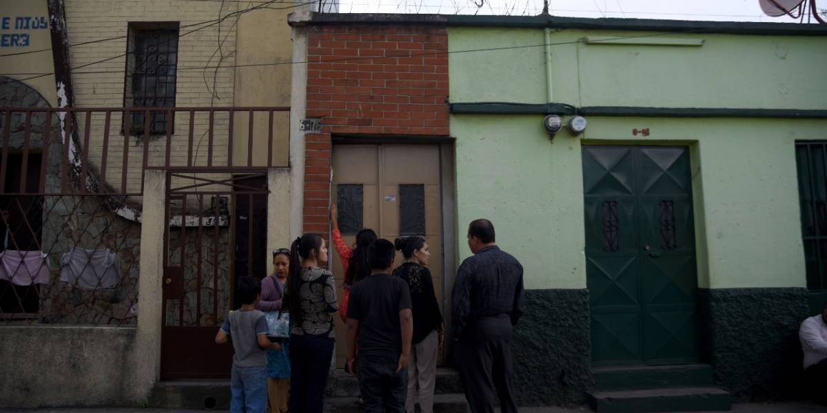 Investigan muerte de adolescente en colonia Landívar