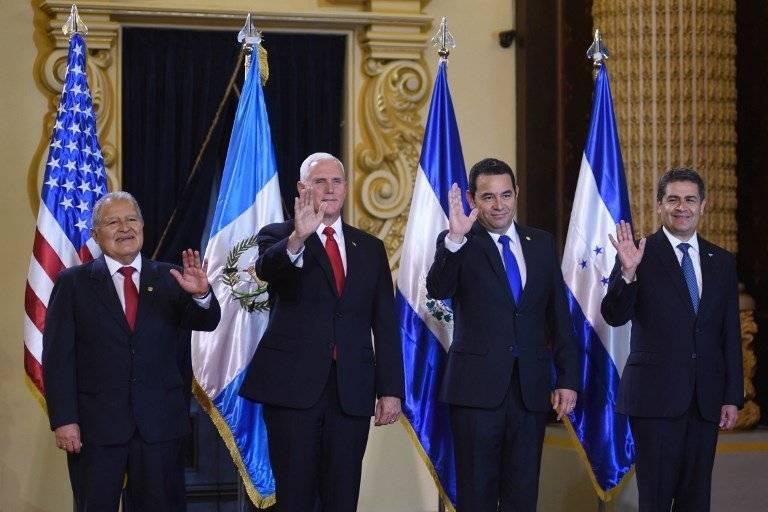 Salvador Sánchez Cerén, Mike Pence, Jimmy Morales y Juan Orlando Hernández