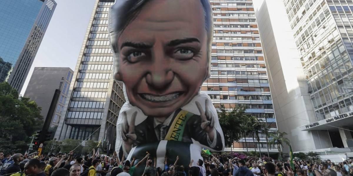 Eleições 2018: campanha de Bolsonaro quer responder a facada com militantes na rua e 'fofura' nas redes