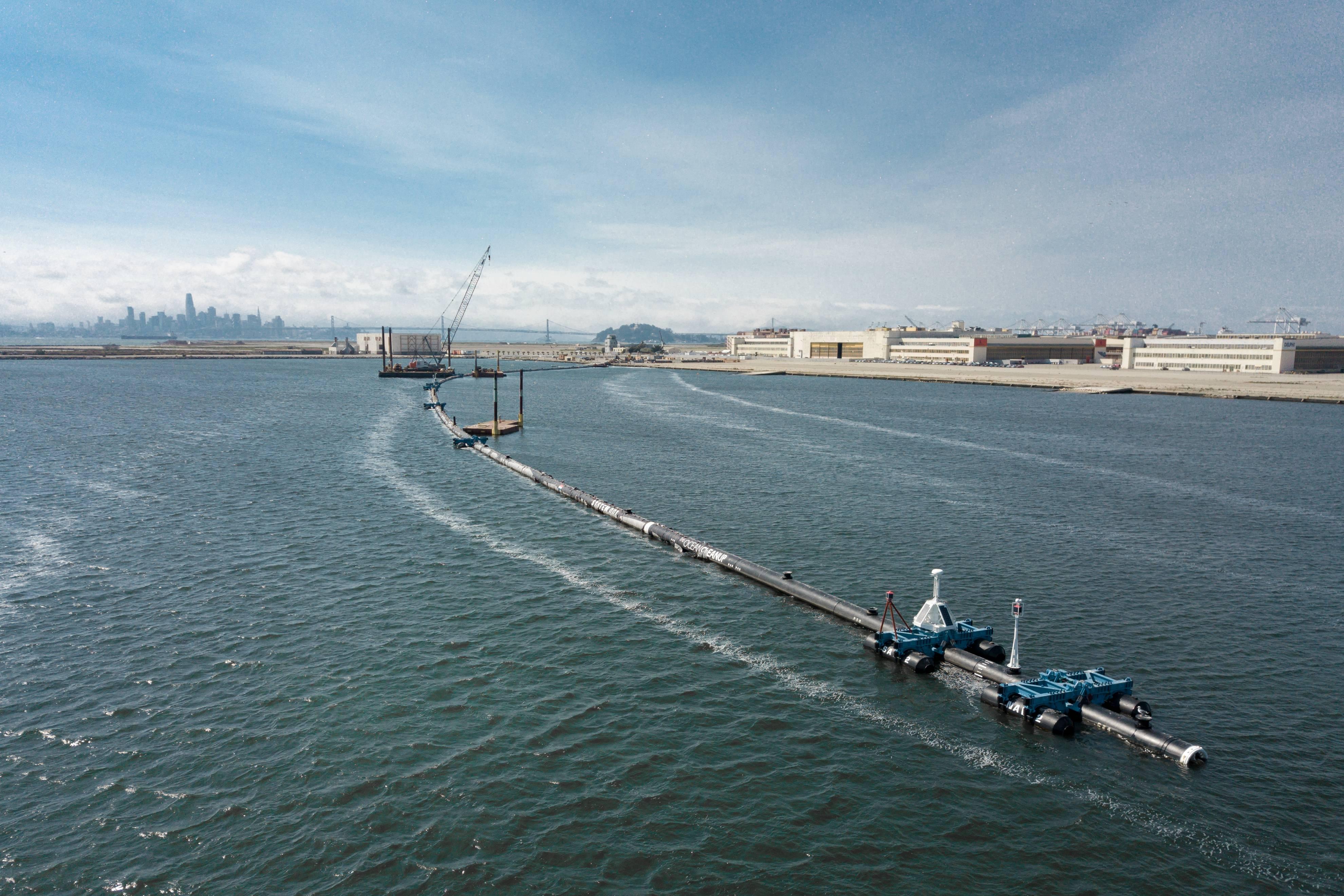 Una gigantesca red será utilizada para recolectar las billones de toneladas de basura que hay en el Océano Pacífico