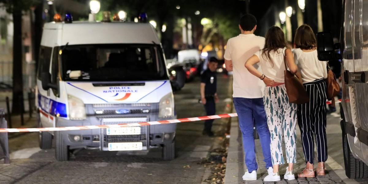 Homem é preso depois de ferir 7 pessoas com faca em Paris