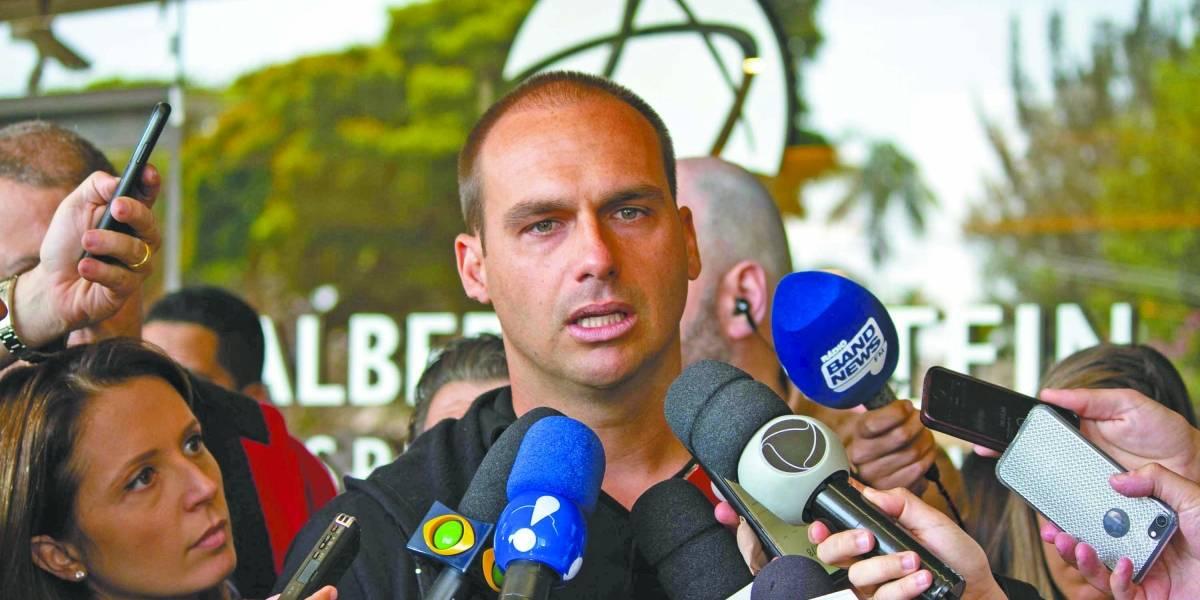 Eduardo Bolsonaro diz que não é papel da polícia proteger casas: 'o primeiro responsável é você'