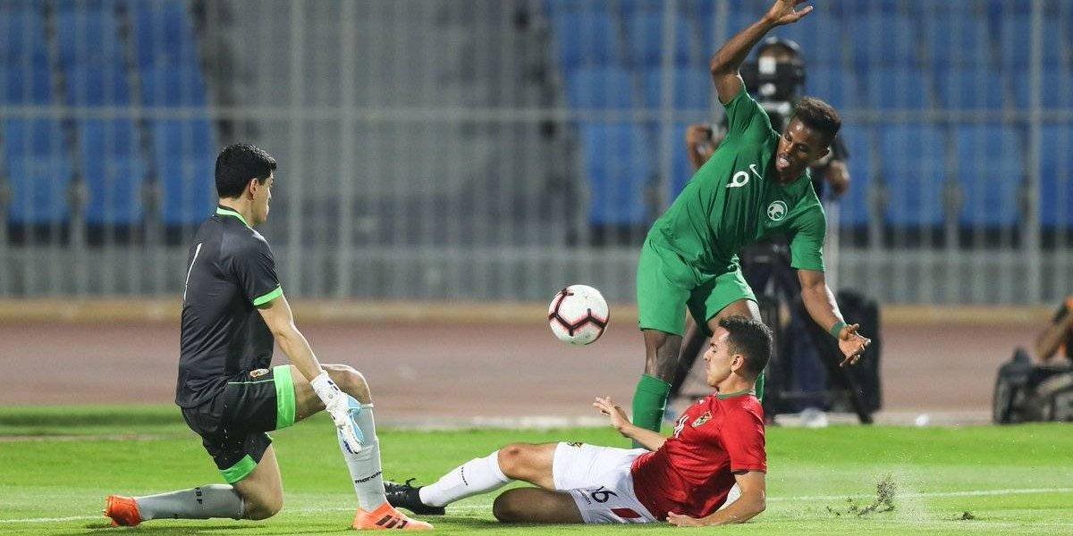 Bolivia vino desde atrás y salvó un empate ante el mundialista Arabia de Pizzi