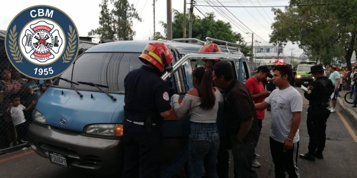 Balacera contra microbús en San Rafael II deja un fallecido y varios heridos