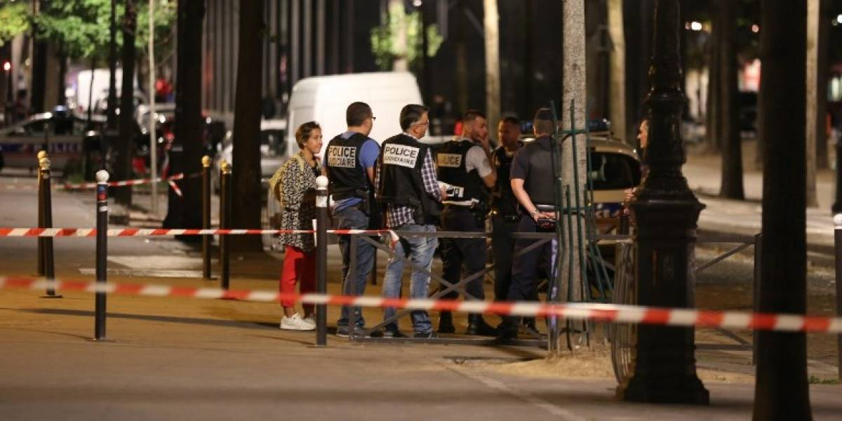 Ataque con cuchillo en la capital francesa deja siete heridos