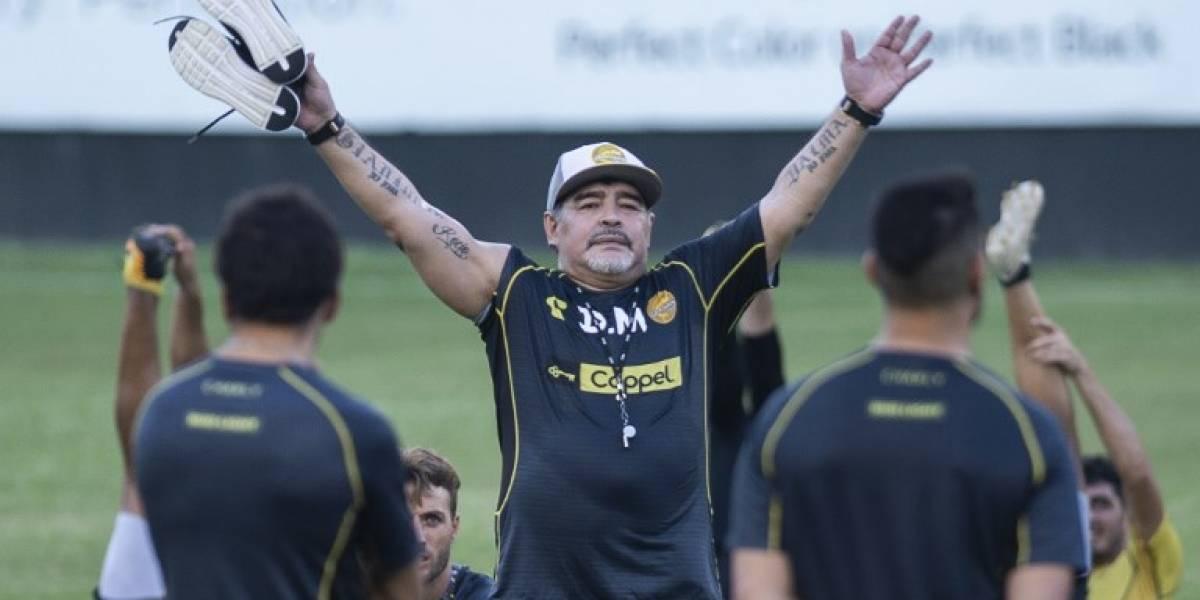 """EN IMÁGENES. Diego Maradona dice que no llega a """"vacacionar"""" a México"""
