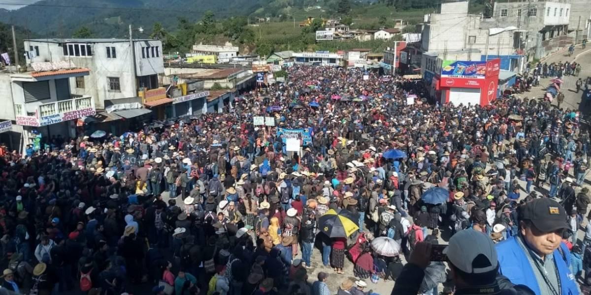 Masiva participación de pobladores de Sololá en bloqueos para exigir prórroga de CICIG