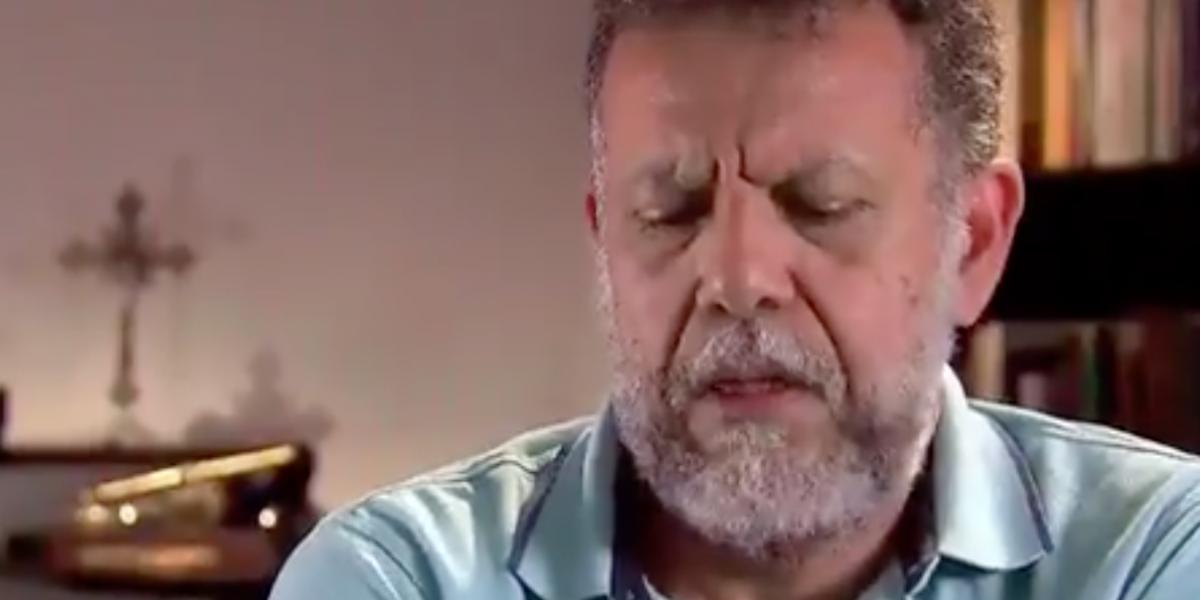"""""""Antes, cuando pensaba en una relación, me bañaba con agua helada"""": padre Linero"""