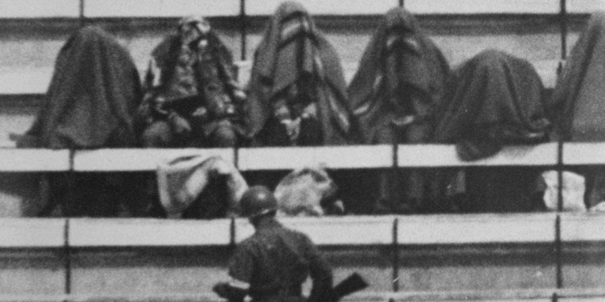 """La huella del """"Encapuchado del Estadio Nacional"""": el hombre que delató a sus amigos para que fueran torturados"""
