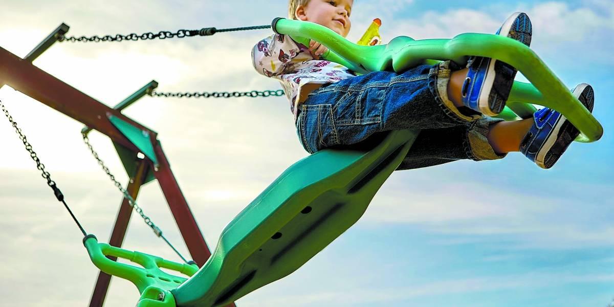 Cuidado exagerado na hora da brincadeira pode comprometer desenvolvimento