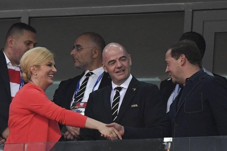 Kolinda Grabar-Kitarović, Gianni Infantino y Dmitry Médvedev