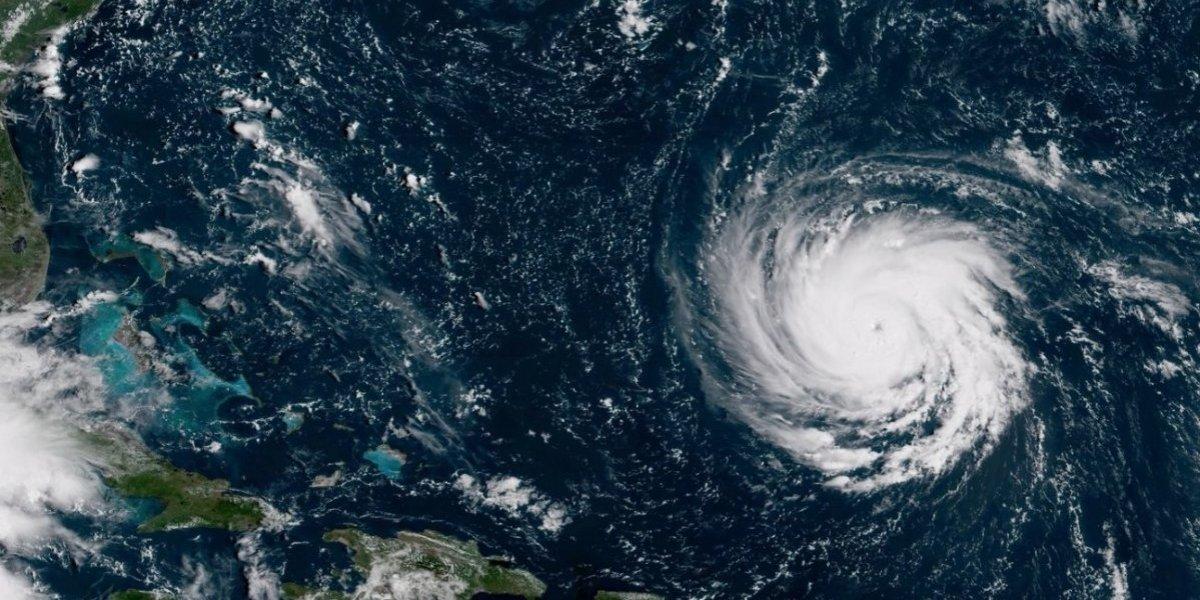 Florence gana fuerza como huracán categoría 3