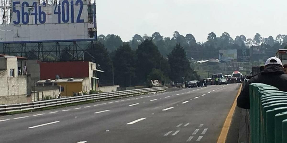 Ejidatarios de Río Frío liberan la México-Puebla tras 6 horas de bloqueo